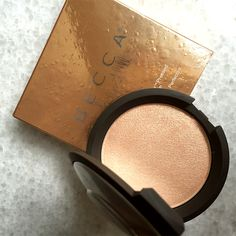 Limited Edition Shimmering Skin Perfector Pressed Champagne Pop a gorgeous peachy, golden shimmer that will have you glowing all year round!