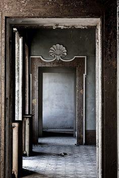 "margadirube: "" derelictmetropolis:(by Alex Vetri) """