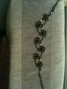 Necklace. 12 Anchor tread, pearls. Pattern adapted from Maranta tatting designer.
