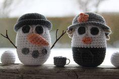Billedresultat for hækleopskrifter pokemon Crochet Egg Cozy, Crochet Snowman, Christmas Crochet Patterns, Christmas Knitting, Crochet For Kids, Diy Crochet, Crochet Toys, Crochet Christmas, Yarn Crafts