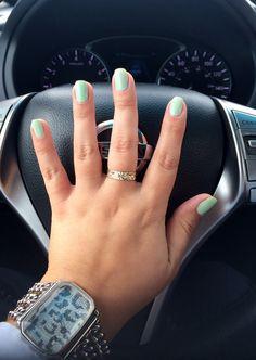 OPI - Gargantuan Green Grape #Mint Nails