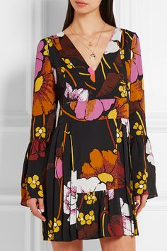 Multicolored crepe Concealed zip fastening along back viscose; lining: silk Dry clean Made in Italy Cornelia Webb, Maria Black, Black Rings, V Neck Dress, Marni, Pink Dress, Kimono Top, Floral Prints, Bell Sleeve Top