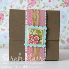this is cute too....3 3x3 note cards inside. Great w'shop project. Again the very clever Sarah Klass xox