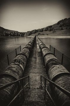 The Walkway On The Black Pipes Of Ladybower Reservoir. Landscape Photography Tips, Scenic Photography, Aerial Photography, Night Photography, Landscape Photos, Yorkshire Dales, Yorkshire England, Cornwall England, Yosemite National Park