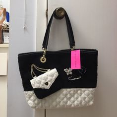 Betsey's Trendy Shopper Tote Brand new.. Betsey Johnson Black and White Trendy Shopper Tote. Little Coin Purse. Gorgeous bag.. Betsey Johnson Bags Totes