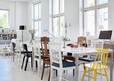 Tilasuunnittelija Susanne Lundén sai vapaat kädet muovata vanhasta tyttökoulusta mieleisensä vaalean loft-asunnon.