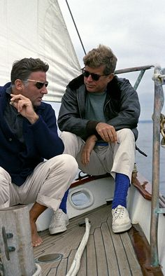 The Shy Stylist - a men's style blog: Reader Question: Boat Shoes and Socks