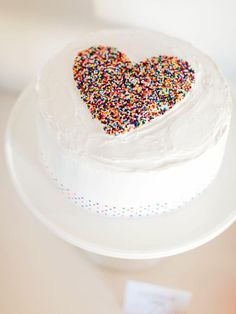 DIY Network shows you how to throw a perfect sprinkle baby shower. Free printables and how-to tutorials make this an easy surprise for the mom-to-be.