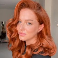 📸 bel_pipsqueekinsaigon Of all the shades, red hair is the one really having its time in the spotlight. While we've long admired natural shades on redheads such as Jessica Chastain, Isla Fisher and Karen Gillan, many other celebrities have been giving the shade a spin. Remember when Dua Lipa debuted a bright cherry-red bob last summer, then Kim Kardashian-West followed suit not long after? Hair Color Auburn, Hair Dye Colors, Red Hair Color, Bright Red Hair, Shades Of Red Hair, Ginger Hair Color, Ginger Hair Dyed, Strawberry Blonde Hair Color, Red Hair Inspo