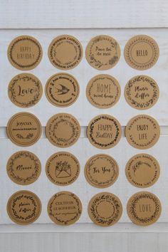 Lot de 20 stickers kraft décoratifs - Un grand marché Decoration Stickers, Personalized Items, Key Pouch, Decorative Stickers, Kraft Paper, Tiny Gifts, Advent Calendar