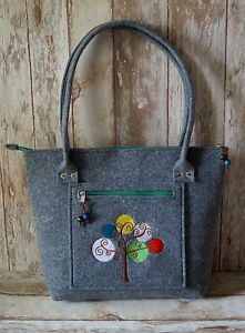 Felt-Bag-Handbag-are-handcrafted-and-the-design-of-one-of-the-artist-EU-PRODUCT