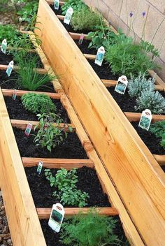 Here is a gallery of Backyard Garden Ideas (with photos) that will inspire you this year. From small to large garden spaces you'll be sure to find your next project. backyard garden design, backyard garden ideas landscaping. #backyardgardening #backyardgardendeck #largebackyardgarden