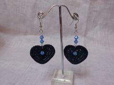 Orecchini a cuore con perle blu Swarovski