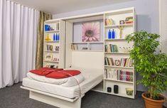 Şifonierul şi compartimentele oferă un spaţiu excelent, ce vin in completarea unui pat de perete. Rafturile pentru cărţi glisează pentru a elibera patul de perete din interior. Cele doua compartimente glisează pe role, permiţându-le astfel o deplasare laterală.  Pat rabatabil vertical, cu saltea pentru doua persoane.    Prezentare video Nautical Office, Office Decor, Small Spaces, Bookcase, Shelves, Amazing Things, Furniture, Home Decor, Shelving