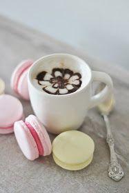 Macarons reseptejä on tullut kokeiltua monenlaisia, joku resepti on täällä blogissakin julkaistuna.   Nyt jo pidemmän aikaan ole...