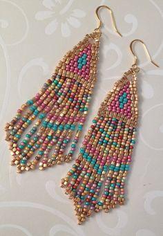 Seed Bead Earrings Pink Coral Sand Long Metallic por WorkofHeart
