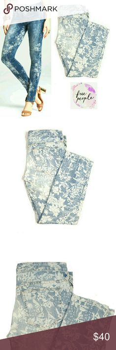 """FREE PEOPLE FLORAL PATTERN SKINNY ANKLE JEANS FREE PEOPLE FLORAL PATTERN SKINNY ANKLE JEANS Pre-Loved/ EUC/61855-6515125 SZ 28  Approx Meas;    W   15 1/2""""    Inseam   26 1/2""""    Rise   8""""  Colors May Not be Exact due to Lighting or Ur Screen Measurements. Are Approx. & May be Interpreted Differently on How U Measure Free People Jeans Skinny"""