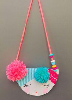 Sewing Crafts For Children Cardboard Necklace Girl Pendant Craft Diy And Crafts Sewing, Crafts To Sell, Arts And Crafts, Diy Crafts, Sewing Ideas, Wood Crafts, Easy Crafts For Kids, Art For Kids, Kids Diy