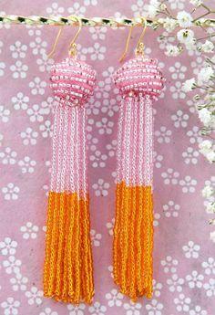Perleøreringe med kvaster (tassels) - smykker