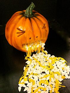 Halloween pumpkin cake throwing up seeds. Halloween Looks, Halloween Town, Halloween Treats, Halloween Pumpkins, Happy Halloween, Halloween Stuff, Halloween Costumes, Cake Decorating Books, Cake Decorating Tutorials