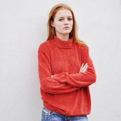 Stevie wears ❤: Gorgeous vintage roll neck polo neck turtleneck jumper / pullover / top • Beautiful chenille fabric, really slinky and cosy • Burnt rust red orange in colour • Nice slouchy fit • Size Large • Stevie is a Size 6 • Would fit sizes 6-18 • UK Postage is £3 ❤❤❤