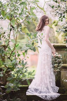 Cheyenne wedding dress from Romantique by Claire Pettibone, Photo: Jade Osborne https://romantique.clairepettibone.com/collections/into-the-sunset-lace-wedding-dresses/products/cheyenne-in-ivory