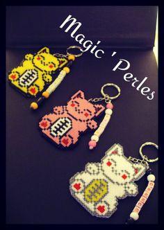 Maneki-neko cat keychains hama perler by Alice Tobbi - Magic 'Perles