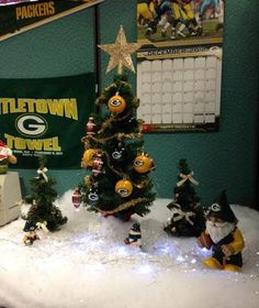 Rosa, from Southern California, has this Christmas tree at her desk at work. Her San Fran fan co-workers not too happy