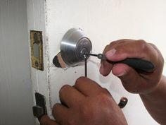 Looking for emergency automotive, commercial and residential locksmith services in Bartlesville, OK? OKC Locksmith Tulsa provides locksmith services in Bartlesville, OK. Just give us a call or request a free estimate today! 24 Hour Locksmith, Emergency Locksmith, Urban Survival Kit, Automotive Locksmith, Cool Lock, Broken Arrow, Locksmith Services, Job Description, Budapest