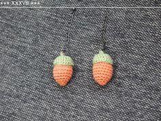 どんぐりのあみぐるみの作り方|編み物|編み物・手芸・ソーイング|ハンドメイドカテゴリ|ハンドメイド、手作り作品の作り方ならアトリエ もっと見る Crochet Jewelry Patterns, Crochet Accessories, Knitting Patterns, Crochet Motif, Crochet Flowers, Knit Crochet, Japanese Crochet Patterns, Textile Fiber Art, Diy Earrings
