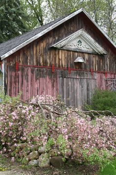 I like the barn with the faded paint. Love it just the way it is............