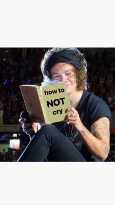 Only at a One Direction concert Cute Memes, Stupid Funny Memes, Funny Relatable Memes, Harry Styles Memes, Harry Styles Pictures, Larry Stylinson, Response Memes, Current Mood Meme, One Direction Humor