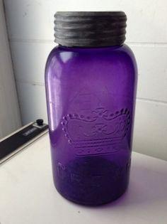 RARE VINTAGE ANTIQUE CROWN EATONS PURPLE AMETHYST GLASS FRUIT JAR GLASS ZINC LID