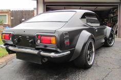 """1975 Corolla    This was my first car I ever had.  Mine was not this """"cool"""" however.  It was also a weird looking brown color...  LOL"""