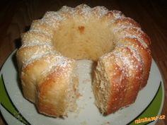 Šlehačko-kokosová bábovka
