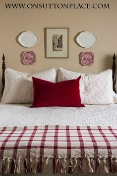 3 Easy Ways to Style a Bed | easy ideas and inspiration! | onsuttonplace.com - FOR SPARE BEDROOM!!!!