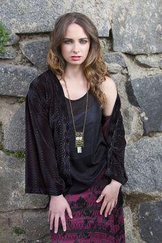 Kimono terciopelo , top lurex y maxi falda  Constanza Ferrer Diseño
