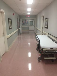 Peter and Tessa were placed in a hospital room under intense supervision from Dr. Peter's mom sat in the waiting room with Remy and Teddy. Morgan called Tessa's dad, to discuss what to do with Peter and Tessa. Hospital Pictures, Applis Photo, Weird Dreams, Life Is Strange, Baby Daddy, Greys Anatomy, Teen Wolf, Trauma, It Hurts