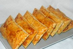 Sandwiches, Food And Drink, Pizza, Cheese, Recipes, Model, Crafts, Manualidades