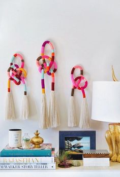 Diy wall decor 214906213459906883 - How to make wrapped rope wall decor – Recycled Crafts Source by plaidcrafter Diy Tassel, Tassels, Recycled Crafts, Diy And Crafts, Recycled Clothing, Handmade Crafts, Doodle Wall, Fabric Shears, Diy Wall Decor
