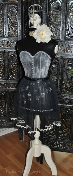 i like...... Mannequin Madness.com sells new and used dress forms so you can create DIY projects like this