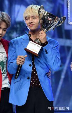 [111116 ©BM] [Picture/Media] BTS at MBC Show Champion [161019]