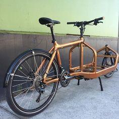 Here's a to start your day: Happy Monday! Bullitt Cargo Bike, Velo Vintage, Bike Trailer, Metal Working Tools, Bike Art, Mini Bike, Bike Design, Happy Monday, Cycling