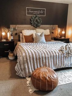Room Ideas Bedroom, Home Decor Bedroom, Western Bedroom Decor, Western Rooms, Cozy Master Bedroom Ideas, Dark Master Bedroom, Rustic Bedroom Furniture, Fall Bedroom, Master Bedroom Design