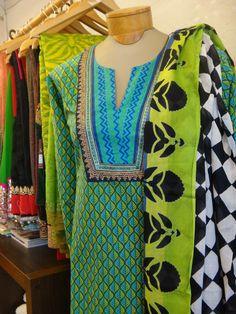 Salwar Suit Neck Designs, Kurta Neck Design, Neck Designs For Suits, Neckline Designs, Dress Neck Designs, Kurta Designs, Blouse Designs, Modesty Fashion, Women's Fashion Dresses