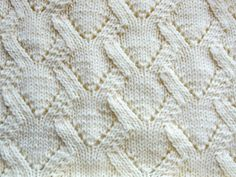 Detallados videos de como realizar bellos motivos y proyectos en Dos Agujas. Detailed videos of knitting patterns and projects.