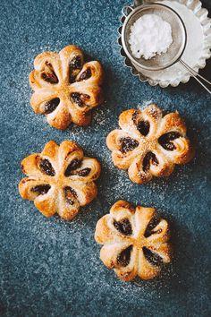 Kukkatortut   Maku Food Crush, Bread And Pastries, Christmas Baking, Christmas Recipes, Sweet And Salty, No Bake Cake, Food Inspiration, Food Photography, Bakery