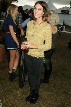 alexa chung v festival