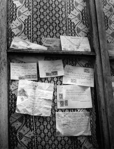 Robert Doisneau  //  Housekeepers  -  Le macramé de la concierge 1947