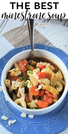 How to make the best minestrone soup on the stove top with fresh or frozen vegetables via @mommakesdinner Frozen Vegetables, Olive Garden Minestrone Soup, Frozen Green Beans, Small Pasta, Soup Recipes, Easy Recipes, Soups And Stews